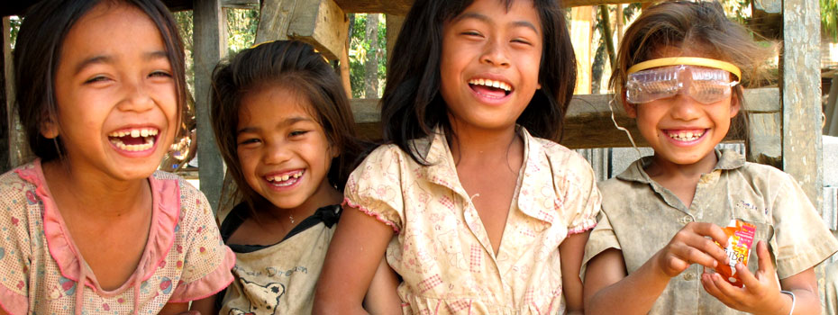 Girls in a remote village near Nong Khiaw